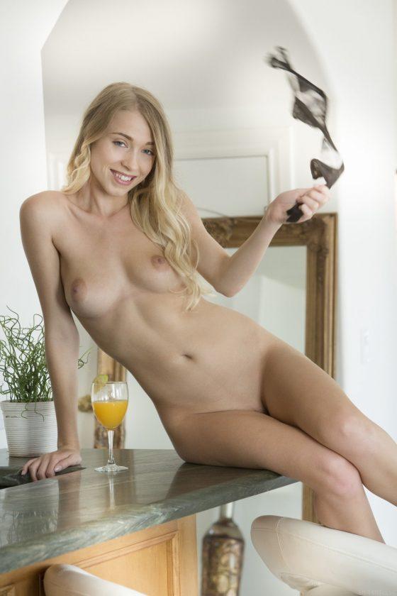 Riley Anne Nude In Tehaz MetArt Model Pictures